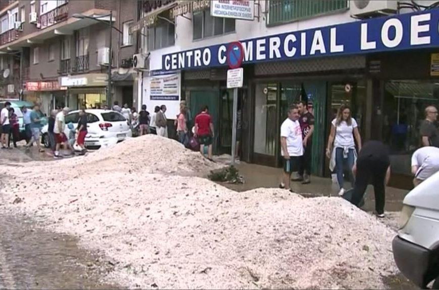 [新聞] 宛如災難片!雨彈炸西班牙多地淹大水
